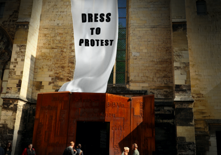 Museumnacht Maastricht Dress to Protest